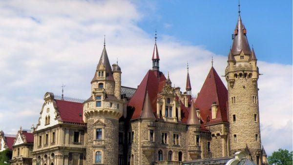 Zamek w Mosznej Polski Hogwart Szkoła Magii i Czarodziejstwa w Polsce