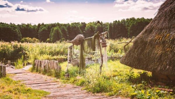 pyrkon, słowianie, słowiańskość, chata, osada, las, wiedźmin, sapkowski